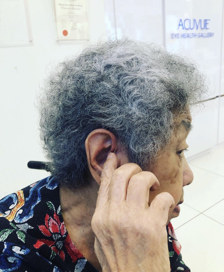 Elderly with quattro hearing aids